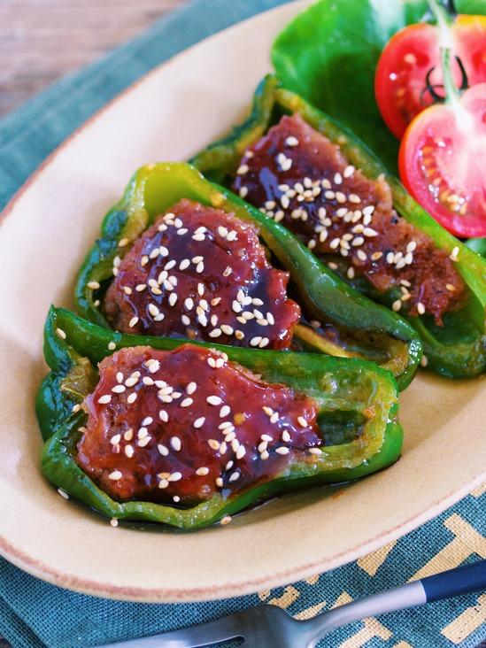 材料2つ♪ご飯もお酒もすすむ♪『青椒肉絲風♡肉詰めピーマンの照り焼き』