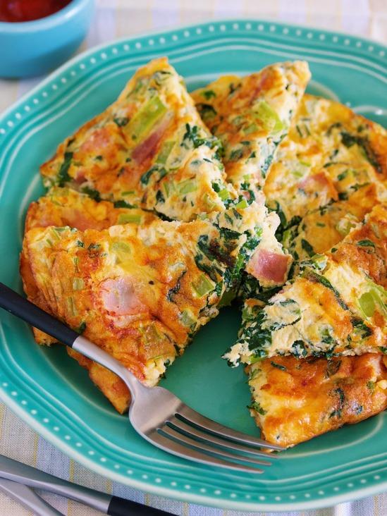 フライパン de 10分♪ふわふわ♪『スパニッシュオムレツ風♡小松菜ベーコンの卵焼き』