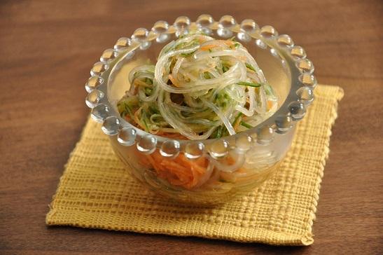 きゅうりとにんじんのミックス野菜で「春雨の酢の物」