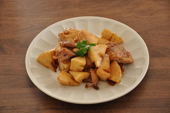 1人分148円調理時間10分のストックおかず♡鶏肉とたけのこのピリ辛みそ炒め