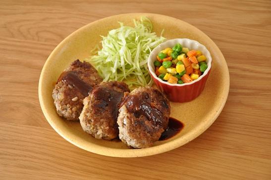 1人分130円調理時間15分ストックおかず♡厚揚げでカサ増し!ハンバーグ
