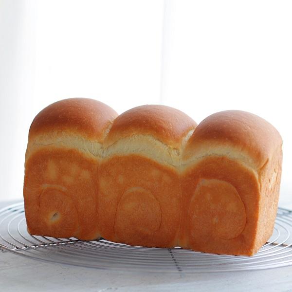 しっとりふわふわ生クリーム食パン