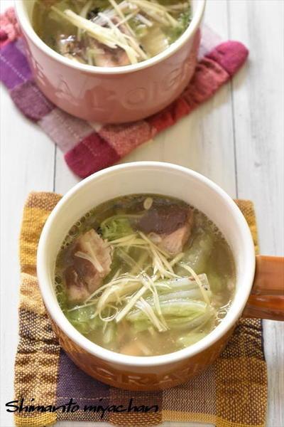 カルディコーヒーファームのイワシ水煮缶と白菜のとろみスープ