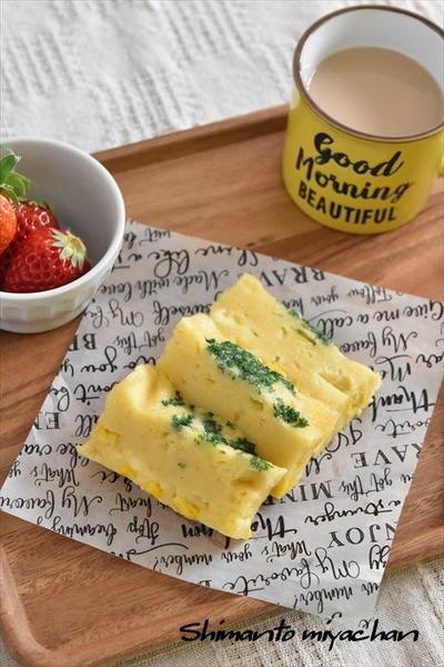 ホットケーキミックスで♪コーンとチーズのレンジ蒸しケーキ
