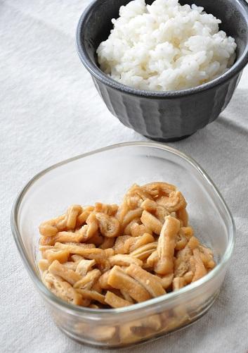 シンプルなのに満足度◎ごはんにぴったりな「油揚げの甘辛煮」