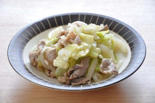 シンプルな優しい味♡キャベツと豚こまのみそ炒め