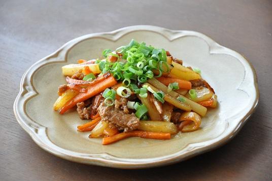 ホカホカ白ごはんと一緒に食べたい!豚ひき肉と野菜の甘辛炒め