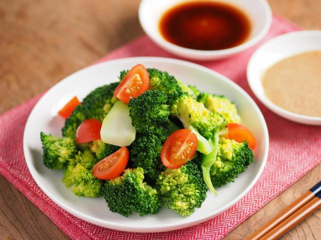 ブロッコリーのシンプルサラダ