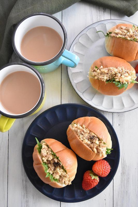 ツナ卵のバターロール大葉サンド