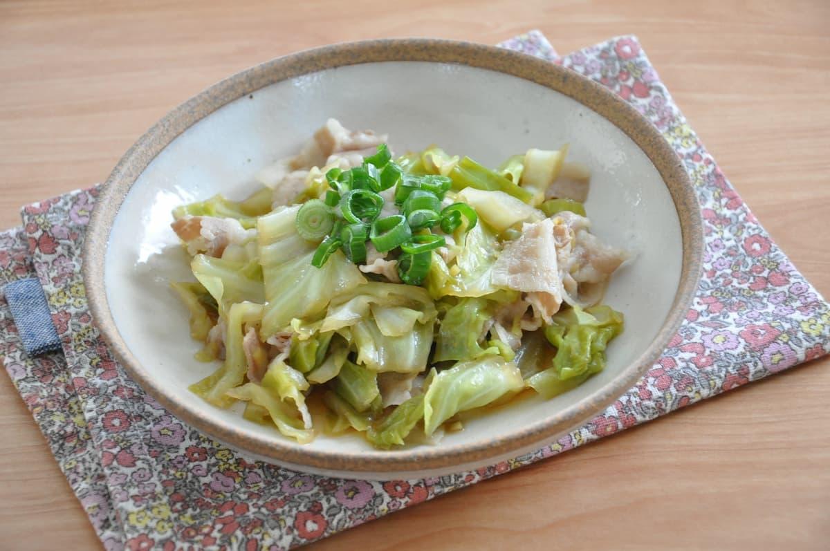 シンプルな作り方でお手軽!「豚バラとキャベツのうま煮」