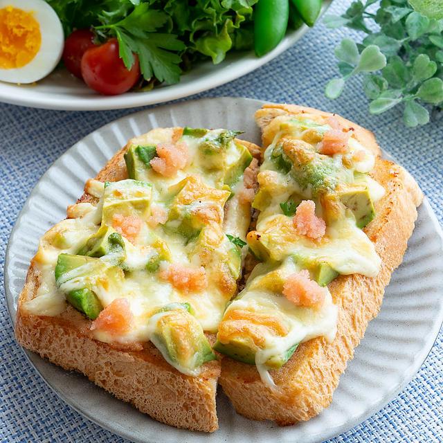 パンともよく合う♪やみつき「たらこトースト」の作り方