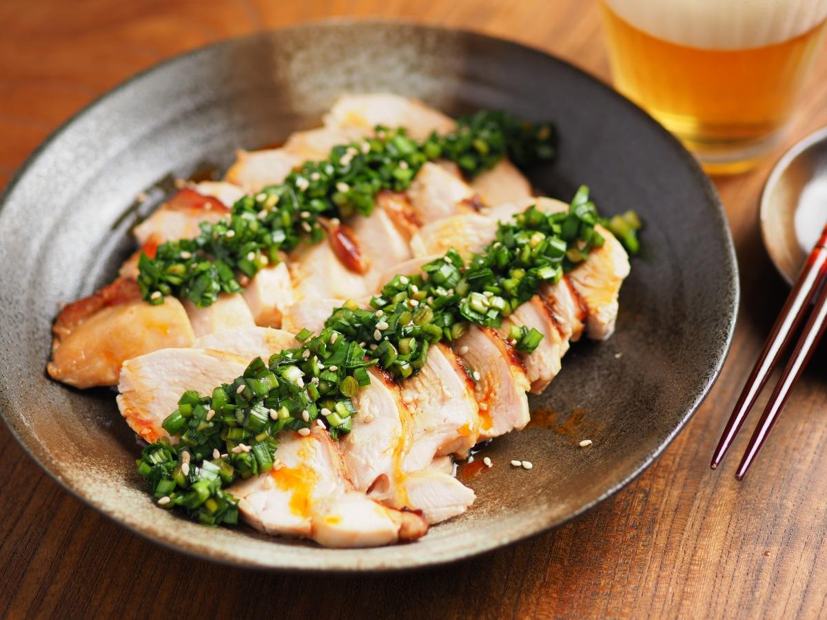 鶏むね肉ぽん酢焼きのニラソースかけ