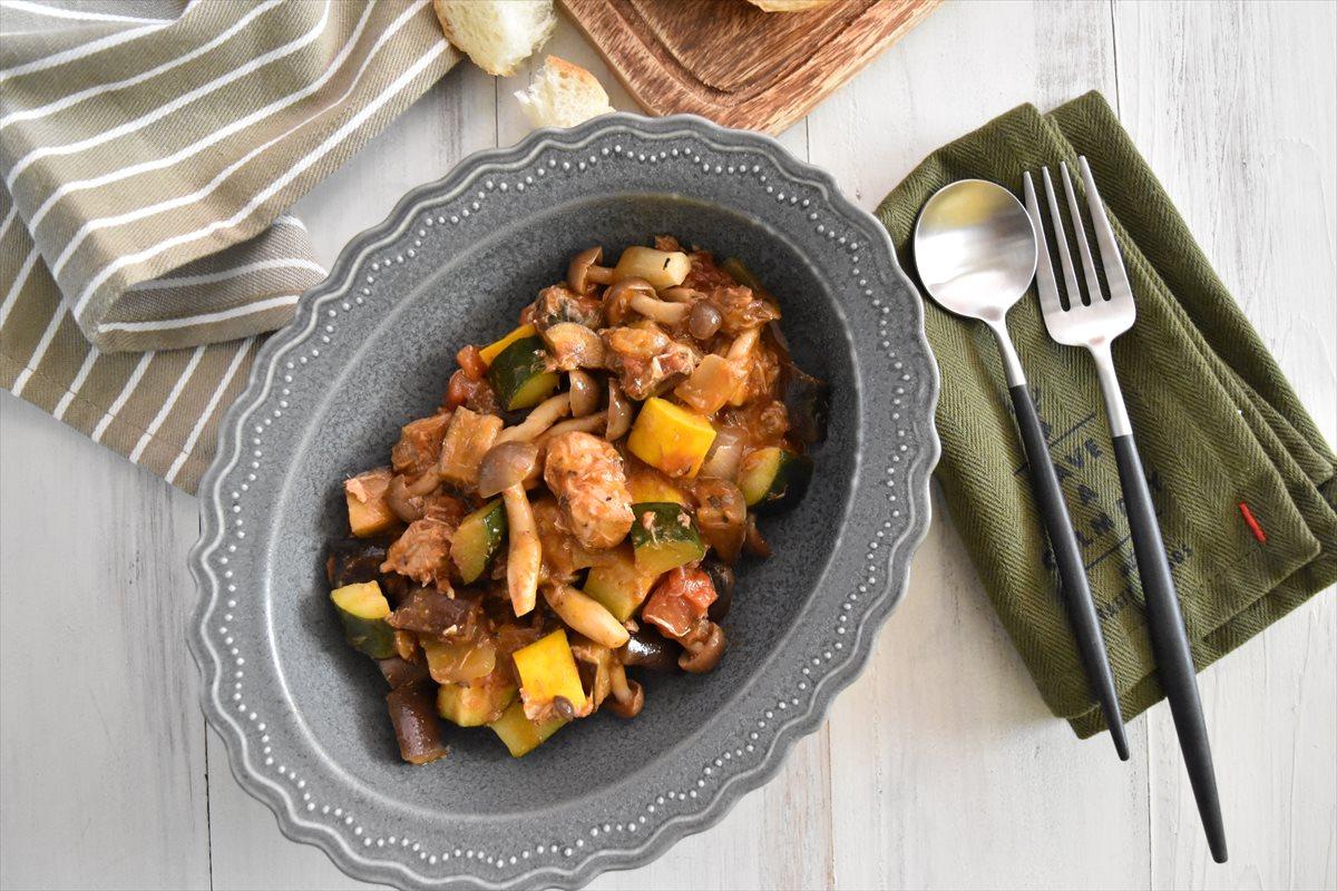 旨味たっぷり!「サヴァ缶と夏野菜のラタトゥイユ」
