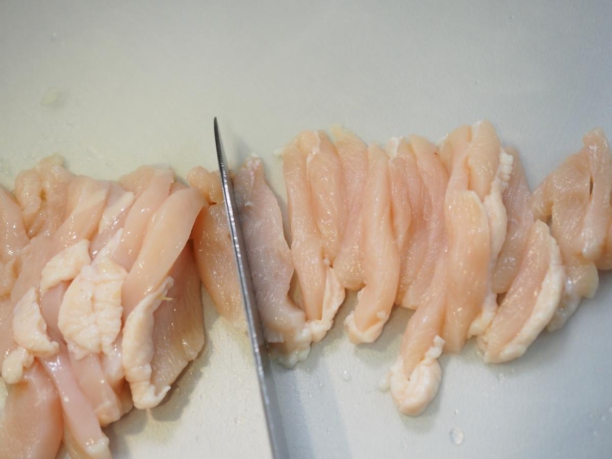 鶏むね肉のオイスターにらもやし炒め