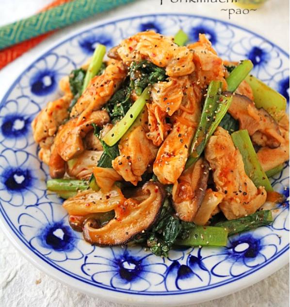 小松菜で栄養アップ!「キムチ炒め」のおすすめレシピ