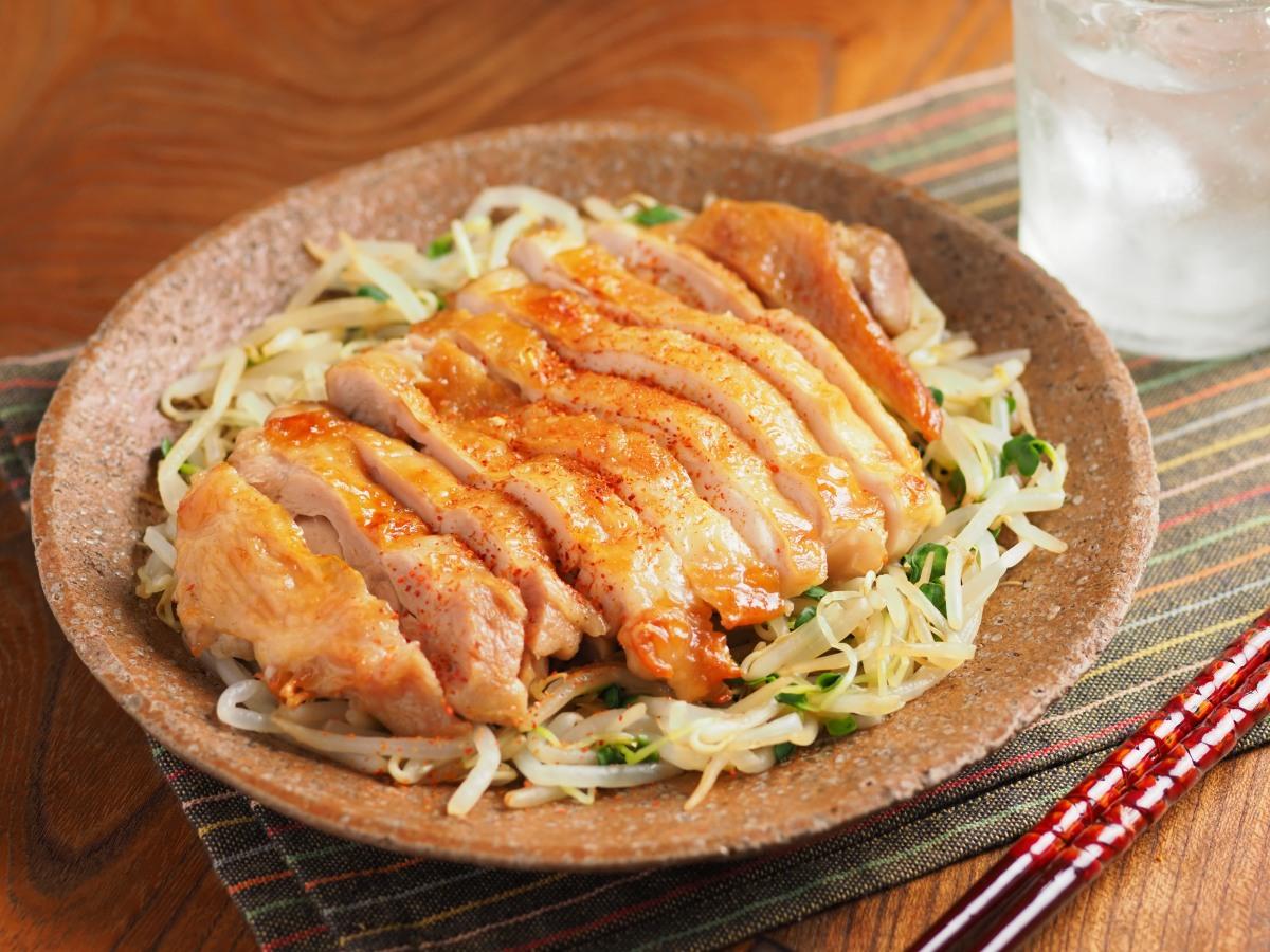 本格焼鳥のような味わいをオーブントースターで!「鶏もも肉のにんにく風味うま塩焼き」