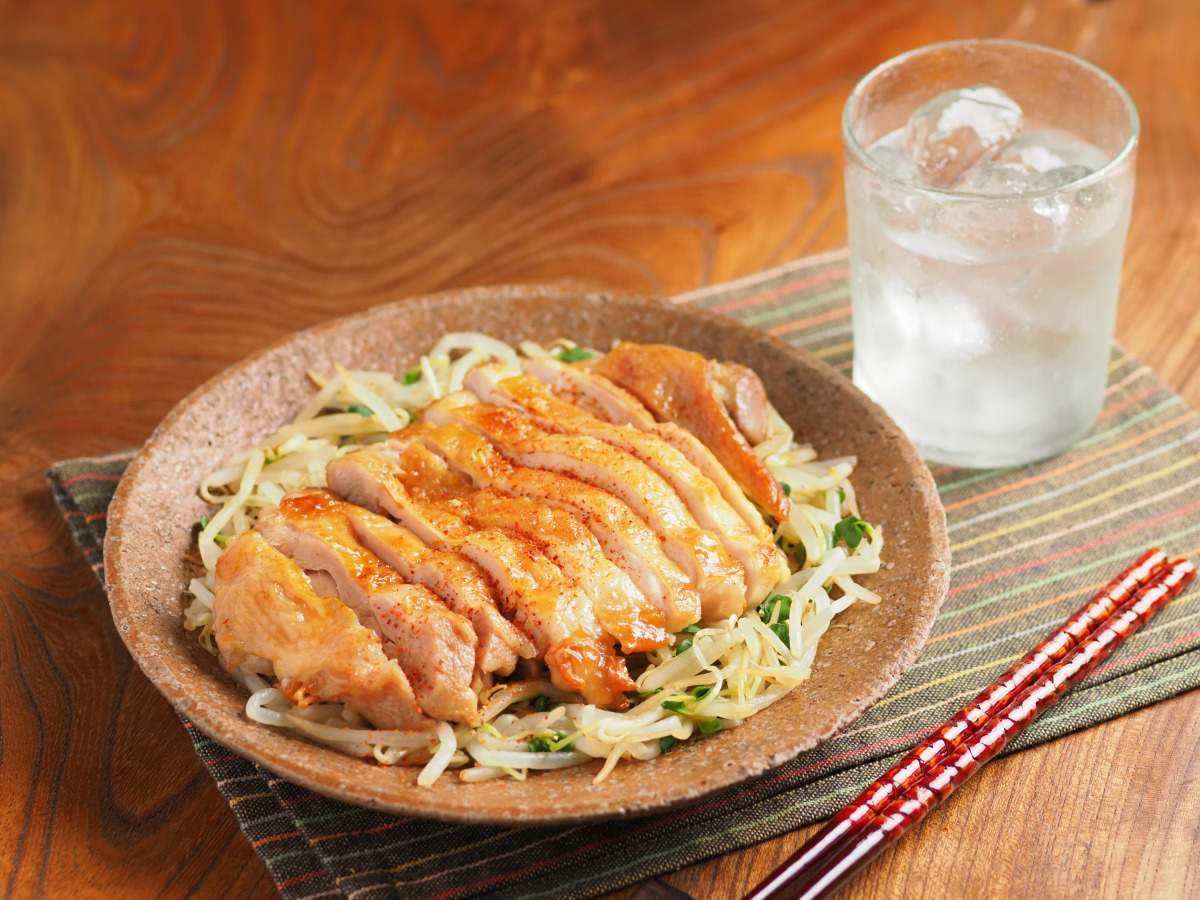 鶏もも肉のにんにく風味旨塩焼き
