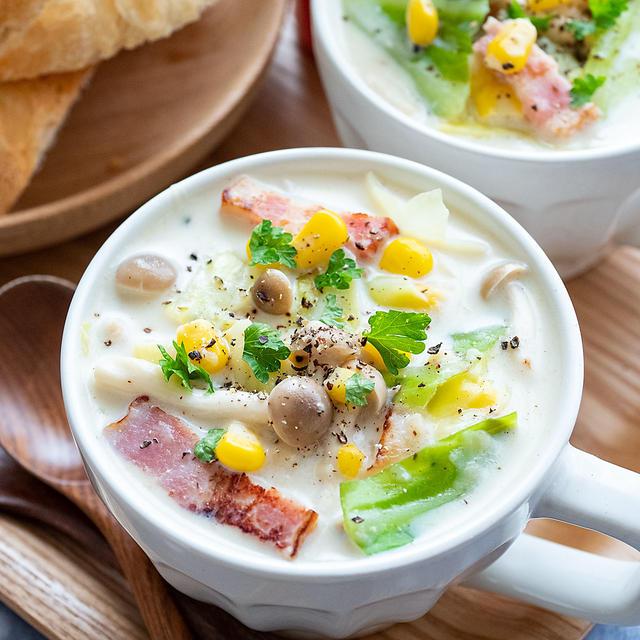 ほっこりおいしい♪「キャベツ×コーン」のお手軽スープレシピ