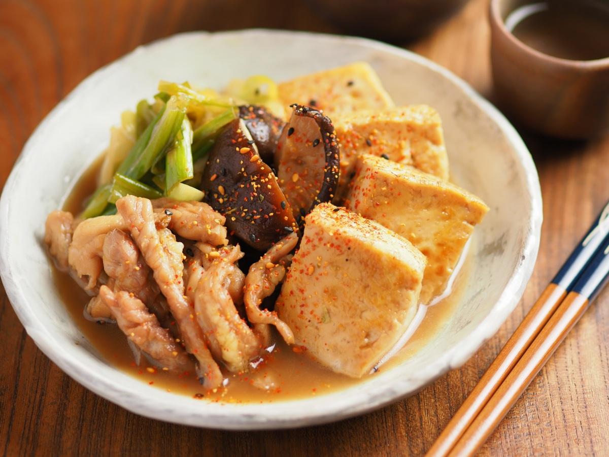 ぷりぷりとした食感がおいしい!「せせりの鶏肉豆腐」