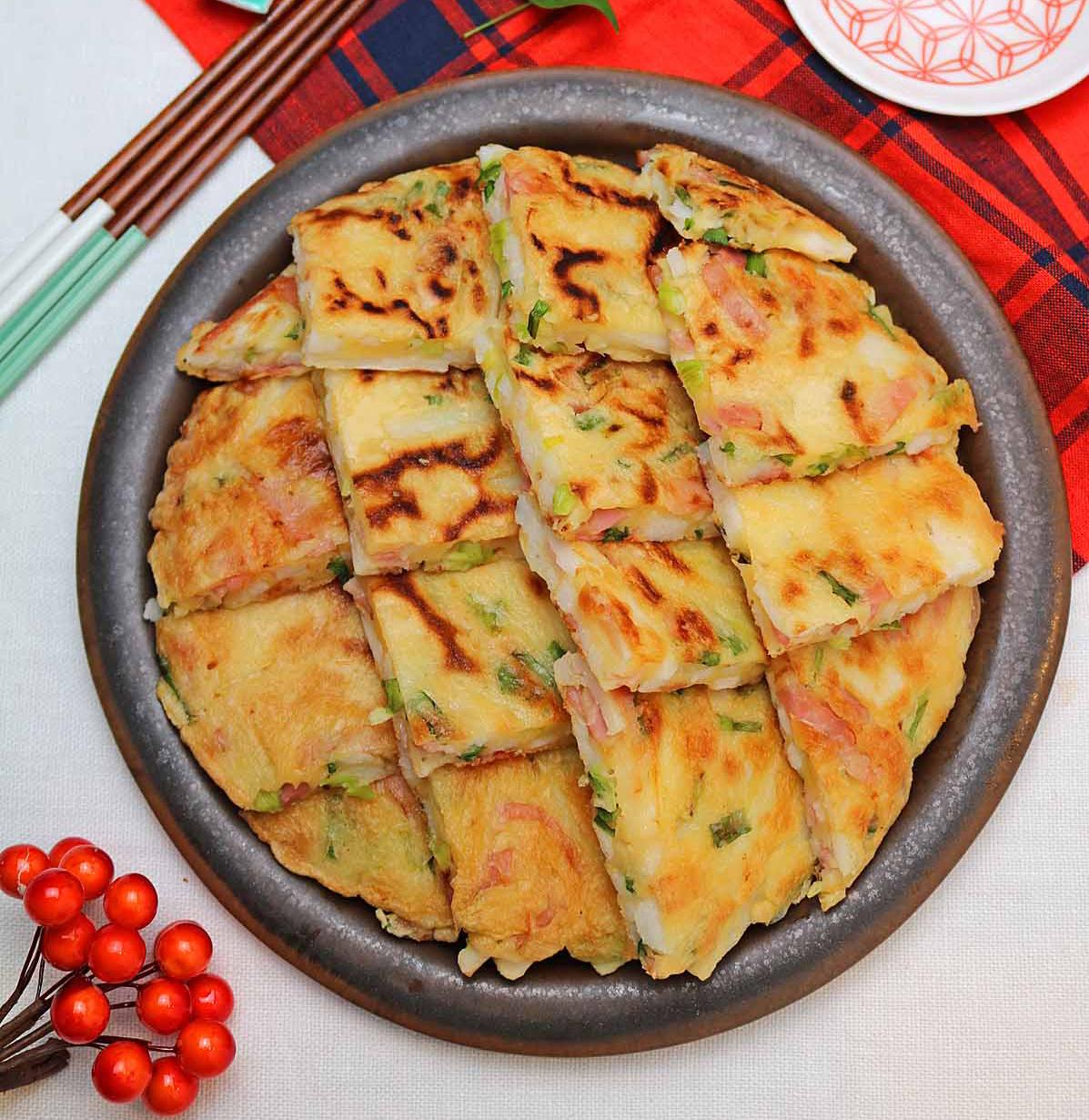 秋のおうち居酒屋メニューにぴったり♪「長芋とベーコンねぎのチヂミ」レシピ